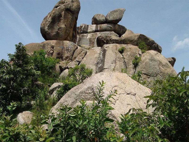 Best hiking places in Kisii, Manga Hills hike